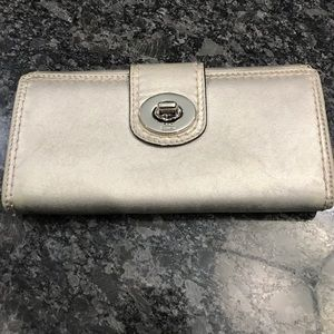 Coach Wallet! Gently worn! Ships fast!